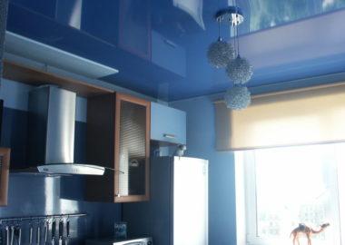 Цветные натяжные потолки3